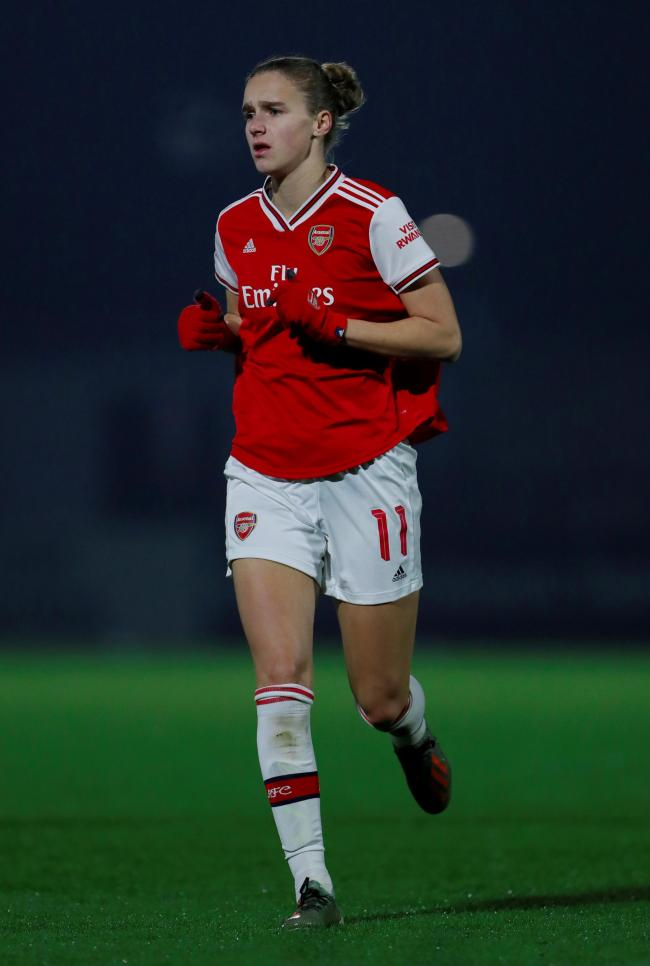 Women's Super League: Miedema's winner rescues Arsenal