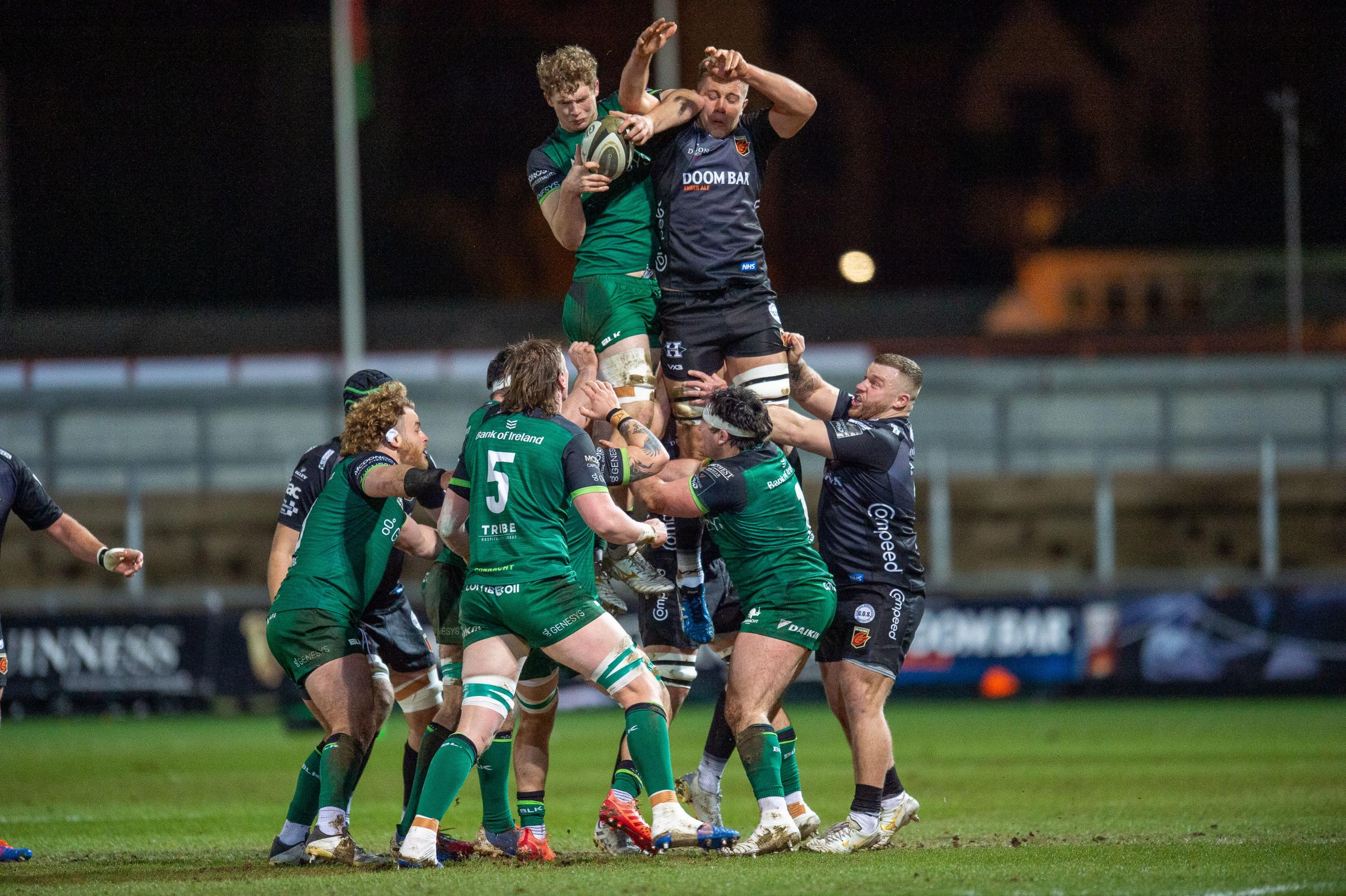 Dragons lock Ben Carter tries to disrupt the Connacht lineout