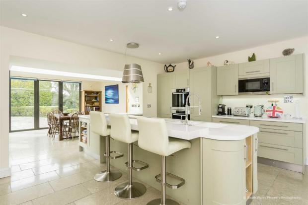 Penarth Times: Picture: Zoopla/Brinsons & Birt