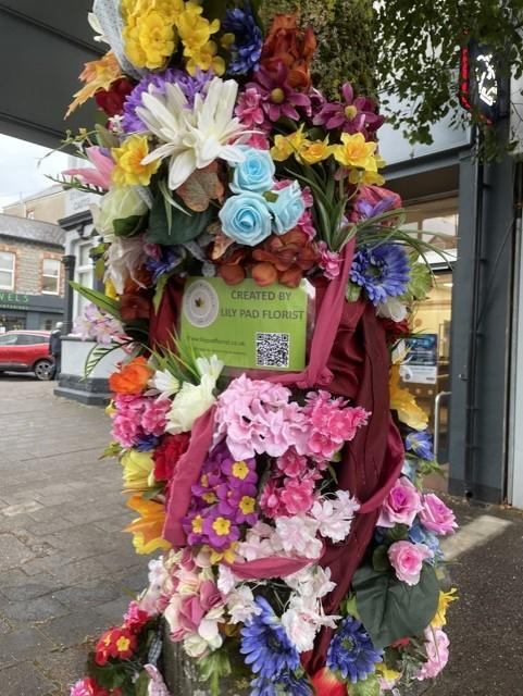 Penarth Times: A close-up of the floral arrangement installation by Lily Pad Florist