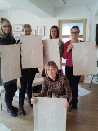 Lifedrawing group (l-r) Rachel Miles, Sue Thomas, Mary Chapman Sandra Brewster and Helen.