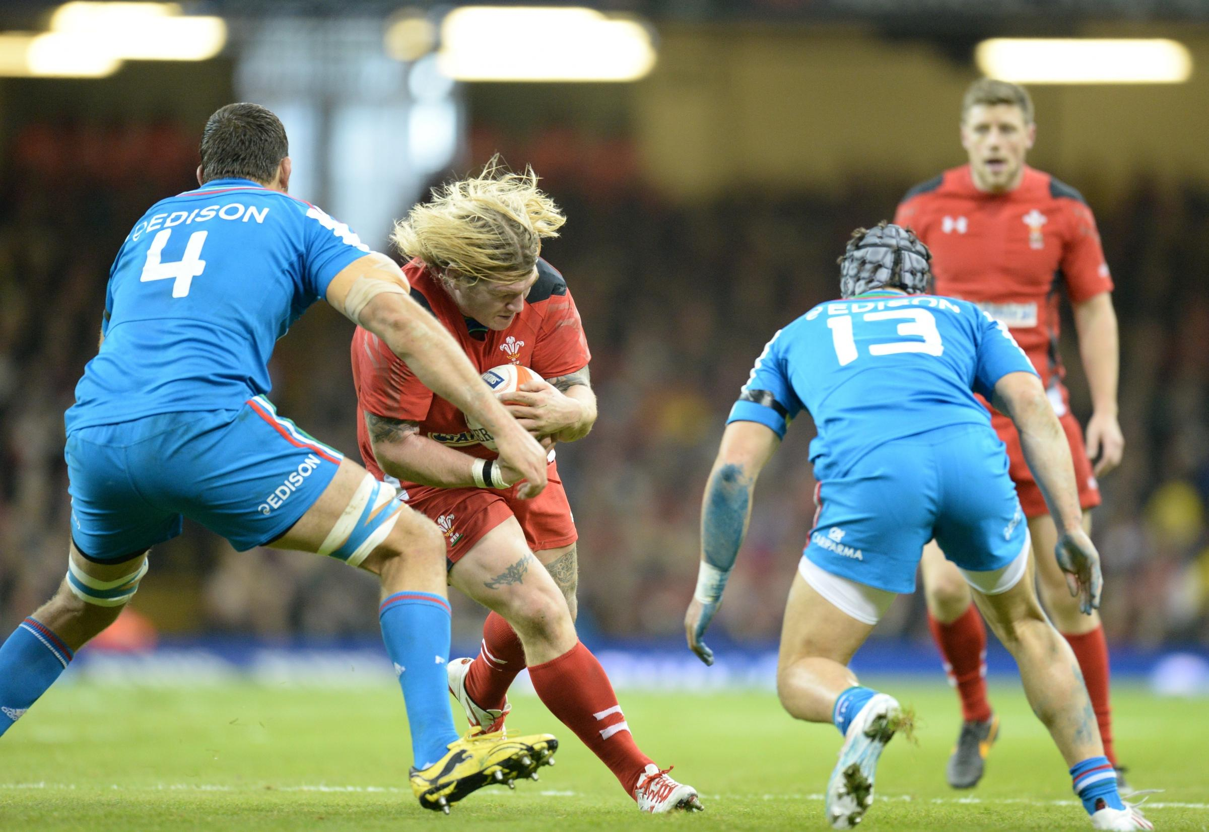 Bumps and bruises won't stop Wales hooker Richard Hibbard's brutal approach