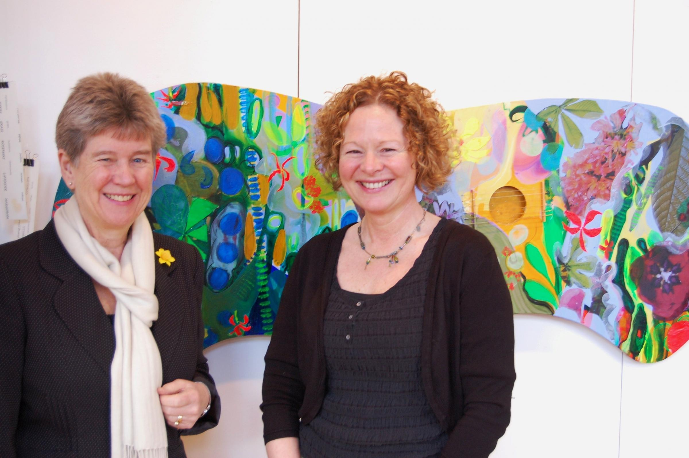 PROJECT: Jane Hutt AM with Dinas Powys artist Melanie Wotton at the Dementia Art Exhibition at the Pierhead Gallery, Cardiff Bay. (4038408)