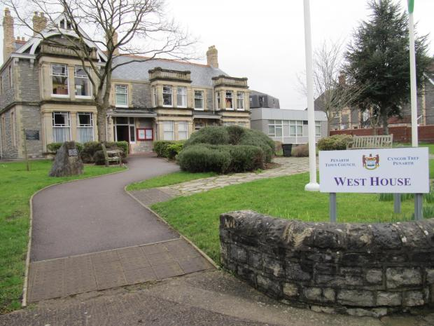 YOUTH CLUB: Penarth's Vale Youth Service hopes to move to West House (4357669)