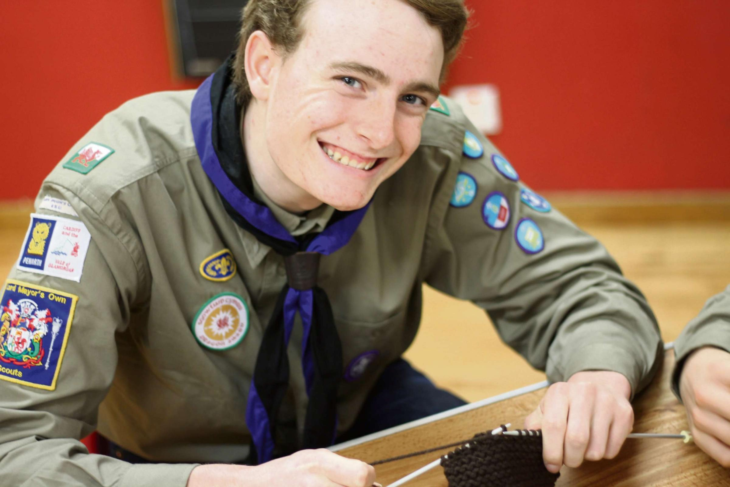 CHALLENGE: An Explorer Scout learning to knit (4481610)
