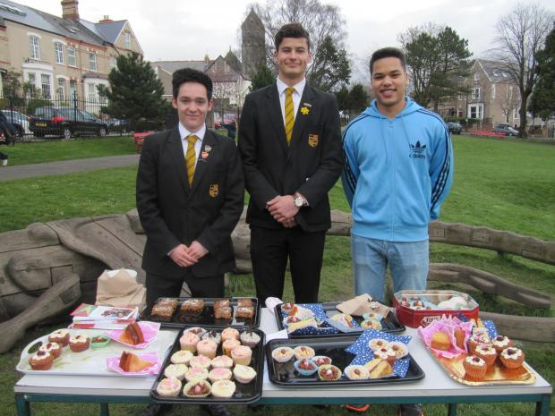 GAP YEAR: Tamas Barry, with his friends Joe Dyer (left) and Omar Ghandour (right), held a fundraising cake sale at Belle Vue Park on Tuesday, March 25 (4908062)