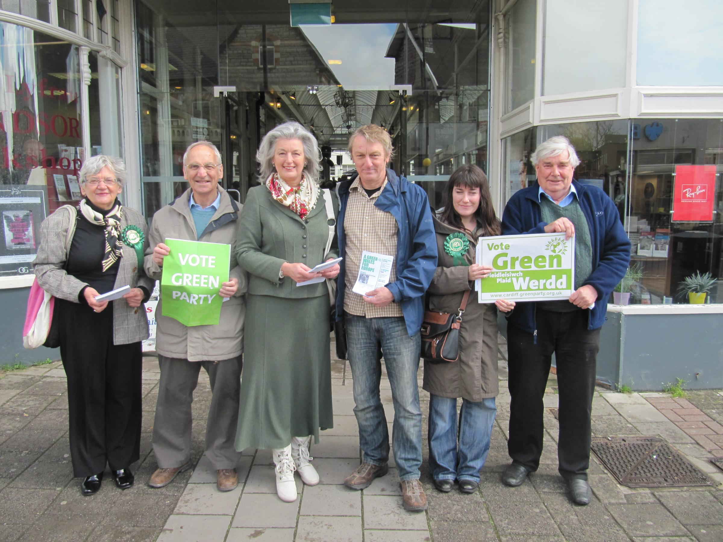 CAMPAIGNING: Pippa Bartolotti and Anthony Slaughter, centre, with Wales Green Party campaigners (5696797)