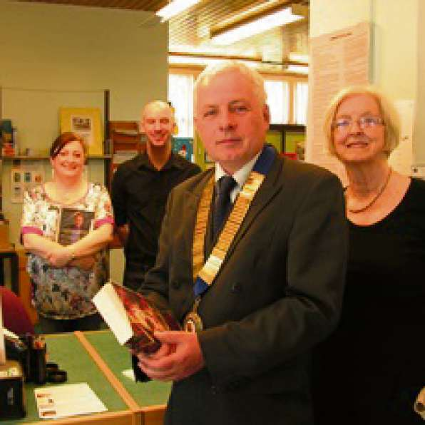 LIBRARY CONCERNS: Councillor Chris Franks with Alyson Hemlock, Paul Templing and Councillor Val Hartrey