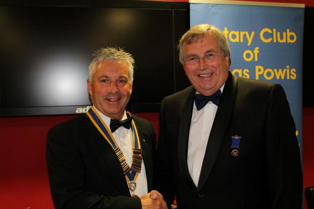 HANDOVER: Outgoing president Tony (right) and new president Colin Jones. (7905112)