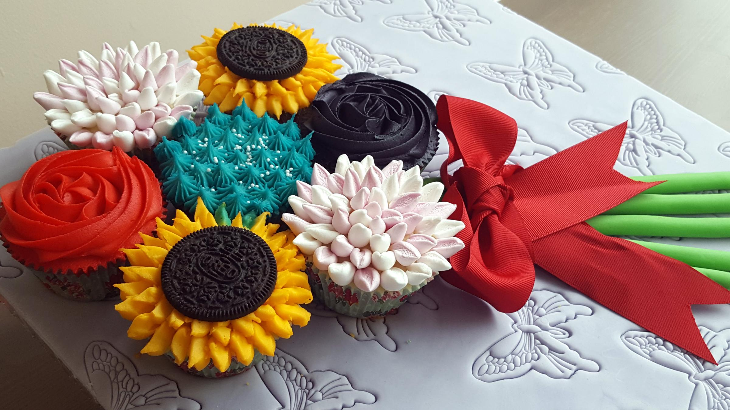 Create a Mother's Day Cupcake Bouquet at Dyffyrn Gardens